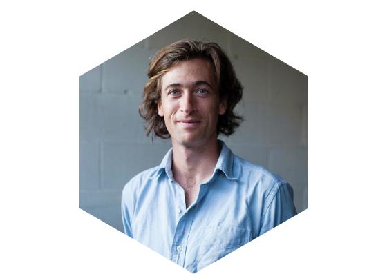Gregory Lynch, Administrateur Miel Montréal, maîtrise en développement durable,